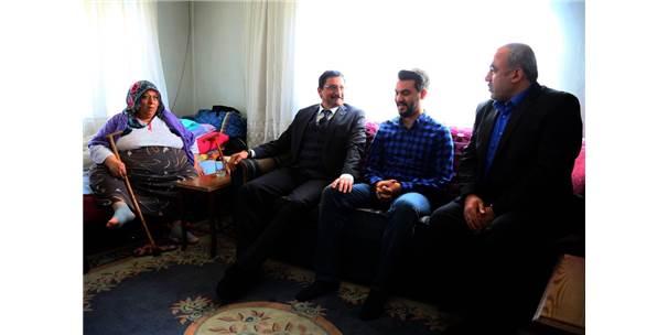 Başkan Ak'tan Çat Kapı Ev Ziyareti