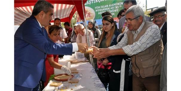 Nazilli Belediyesi'nin Aşure Geleneği Sürüyor