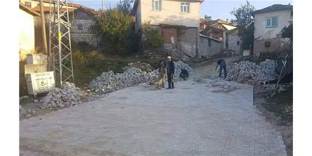 Çavdarhisar'da 13 Köye, İmece Usulü Kilitli Parke Taşı