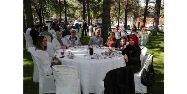 Kayseri'de Yaşayan Karadenizliler Kahvaltıda Buluştu
