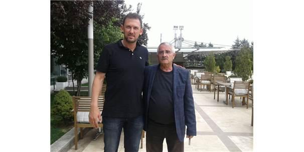Popovic, Başkan Tankut İle Bir Araya Geldi