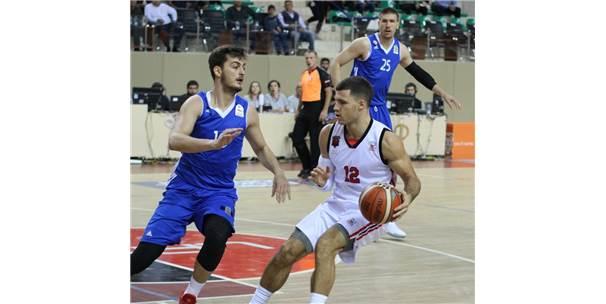 Tahincioğlu Basketbol Süper Ligi: Eskişehir Basket: 80 - İstanbul Bbsk: 76