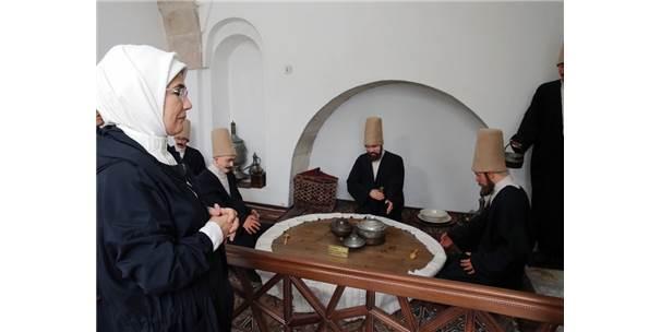 Emine Erdoğan, Afyonkarahisar'daki Tarihi Cami Ve Müzeyi Ziyaret Etti