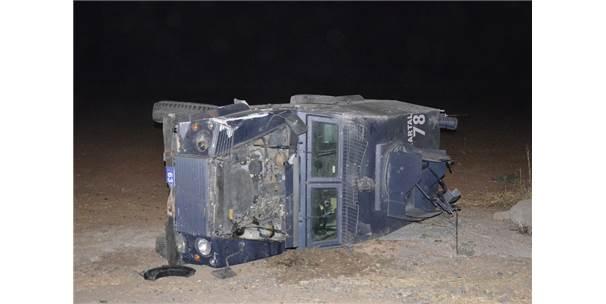 Şanlıurfa'da Polislerin Bulunduğu Araç Takla Attı: 2 Yaralı