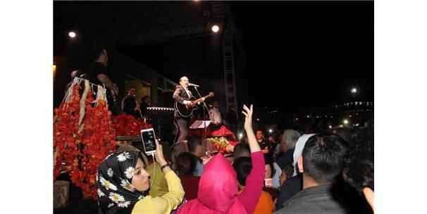 Ferhat Göçer İsot Festivali'nde Şanlıurfalıları Coşturdu