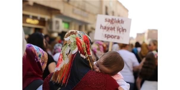 Mardin'de Kadınlar Tarihi Sokaklarda Sağlık İçin Yürüdü