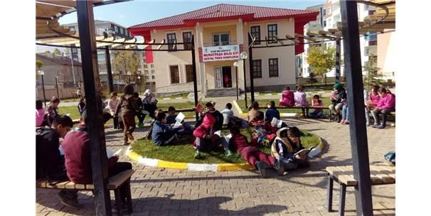 Muş'ta 'Bilgi Evleri' Hizmet Vermeye Başladı