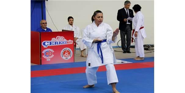 Türkiye Karate Şampiyonası Çerkezköy'de Başladı