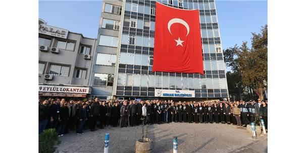 İzmir'in Her Yerinde 09.05'Te Hayat Durdu