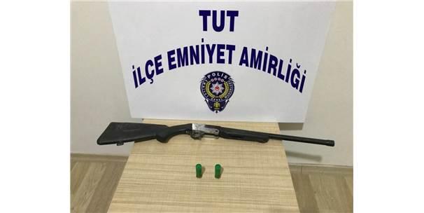 Tut'da Durdurulan Otomobilde Av Tüfeği Ele Geçirildi