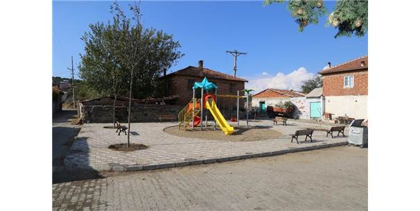 Burhaniye'de Kırsal Mahalleye Park Yapıldı