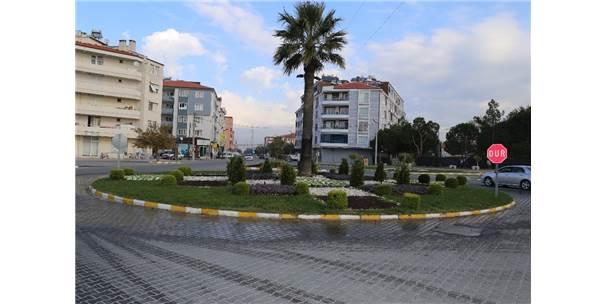 Burhaniye'de Sokaklar Güzelleşti