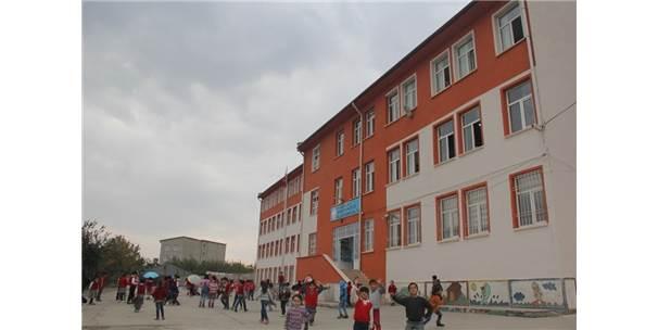 Kulp Belediyesi İlköğretim Okulu Binasını Yeniledi