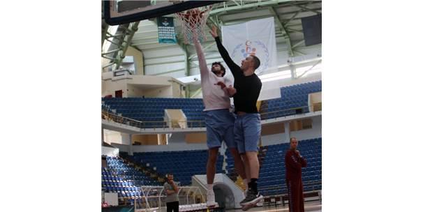 Trabzonspor Basketbol Takımı, Galatasaray Maçı Hazırlıklarını Sürdürüyor