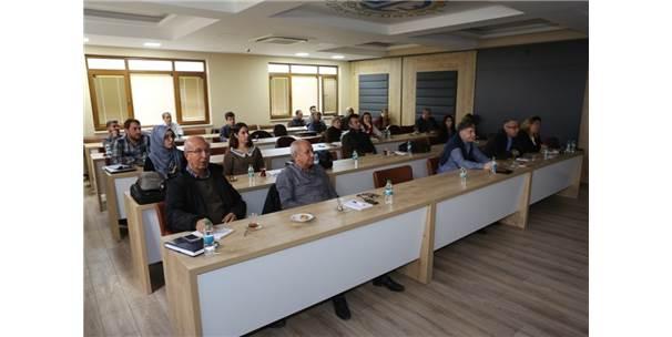 İhracatçılara Yeni Nesil Dış Ticaret İstihbarat Eğitimi