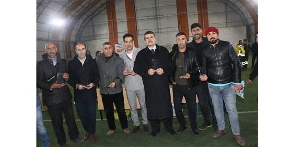 Özalp Belediyesi Halı Saha Futbol Turnuvası Tamamlandı