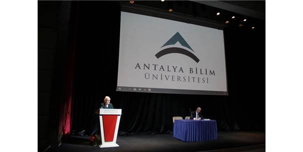 Türkiye Felsefe Kurumu Başkanı Kuçuradi Abü'de