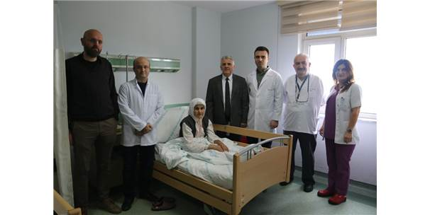 Ameliyatsız Kalp Kapakları Değiştirildi