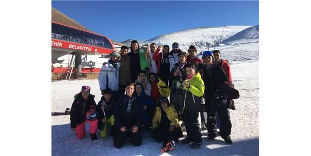 Develi Belediye Spor Kayak Kulübünden Büyük Başarı