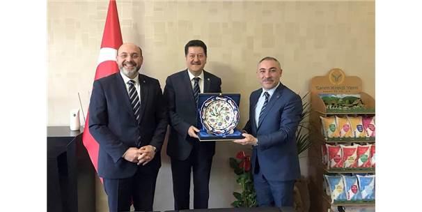Ali Çetinbaş Ve Mehmet Eşsiz'den Hasan Fehmi Kinay'a Tebrik Ziyareti