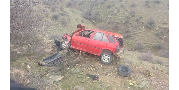 Alaşehir'de Otomobil Şarampole Yuvarlandı: 1 Yaralı