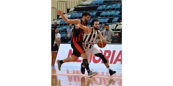 Sakarya Büyükşehir Belediyespor: 100 Eskişehir Basket: 89