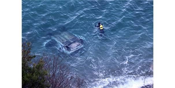 Zonguldak'ta Otomobil 60 Metreden Denize Uçtu, Şoför Kayıp