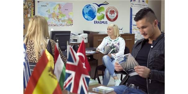 Sdü, Öğrenci Değişimi Listesinde Türkiye'deki İlk 10 Üniversite Arasında