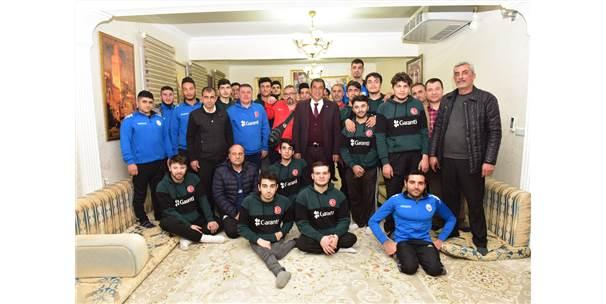 Başkan Atilla, Sporcuları Ağırladı