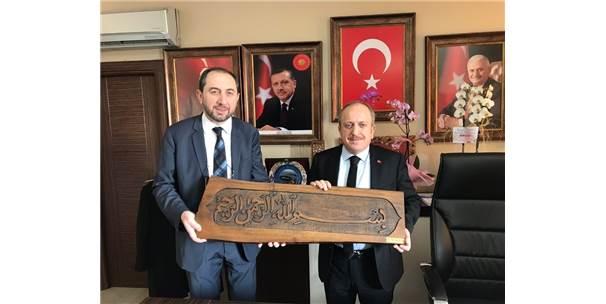 Karadağ'dan Rektör Alkan'a Övgü