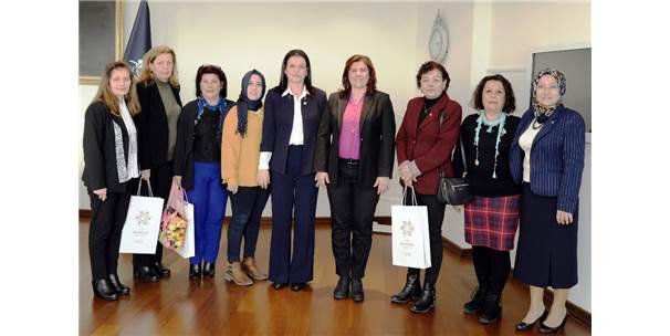 Kadın Muhtarlar Sevgililer Günü'nde Başkan Çerçioğlu'nu Ziyaret Etti