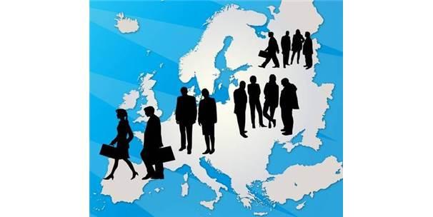 Yurtdışına Eğitime Giden Öğrenciler Geri Dönüyor