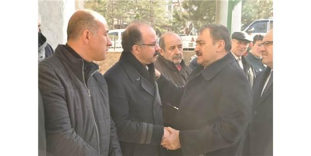 Eski Anayasa Mahkemesi Üyesi Ahmet Akyalçın Toprağa Verildi