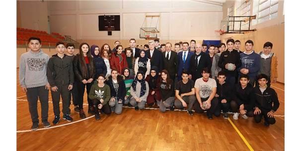 """Başkan Karaosmanoğlu,""""Küçük Yaşta Alınan Doğru Kararlar Dünyayı Değiştirebilir"""""""