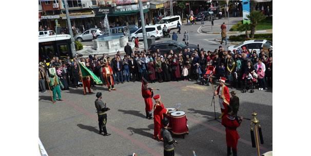 Balıkesir'de Müzik Grupları Afrin İçin Destek Gösterisi Yaptılar