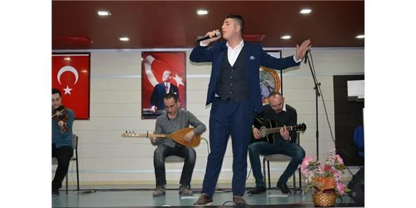 Suşehri'nde Müzik Yarışması Düzenlendi