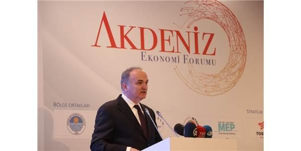 """Bakan Özlü: """"Endüstri 4.0'I Iskalama Lüksümüz Yok"""""""