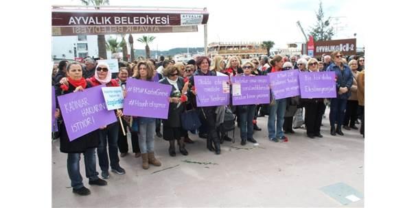 Ayvalık'ta Kadınların 8 Mart Coşkusu