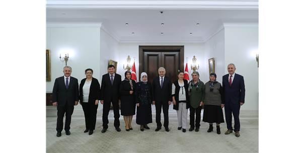 Başbakan Yıldırım Köyünü Türkiye'ye Tanıtan Zümran Ömür'ü Kabul Etti