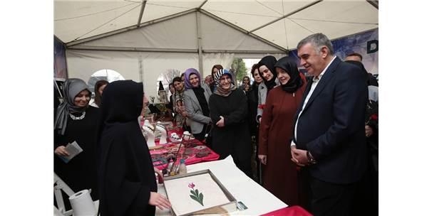 Başkan Toçoğlu, Kadınlar Günü Etkinlik Çadırını Ziyaret Etti