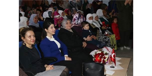 Özalp İlçesinde 'Kadınlar Günü' Etkinliği