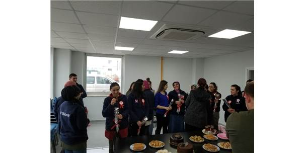Jandarmadan İşçi Kadınlara 8 Mart Dünya Kadınlar Günü Ziyareti