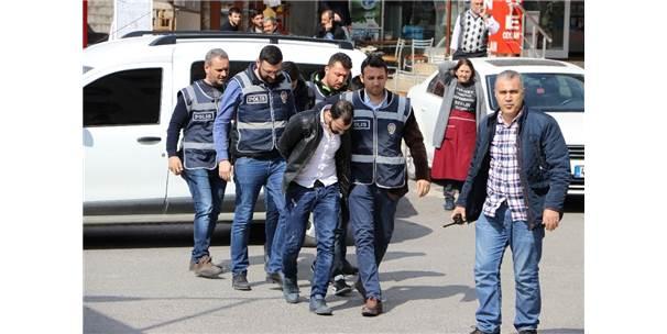 Motosiklet Hırsızları Önce Kameraya Sonra Polise Yakalandı
