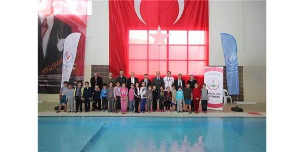Yalova'da Yüzme Bilmeyen Öğrenci Kalmayacak