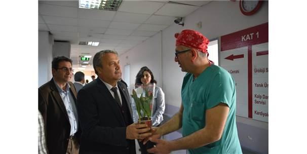 Başkan Çerçi Tıp Bayramında Sağlıkçıları Ziyaret Etti