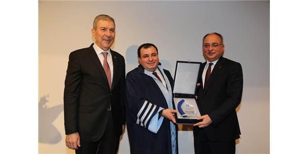 Sağlık Bakanı Dr. Ahmet Demircan, Gazi Tıp'ta Biniş Giyme Törenine Katıldı