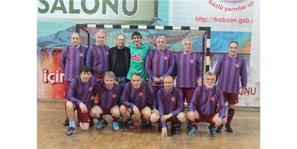 Trabzonspor'un Efsanelerinin Yer Aldığı Salon Futbol Turnuvası Sona Erdi