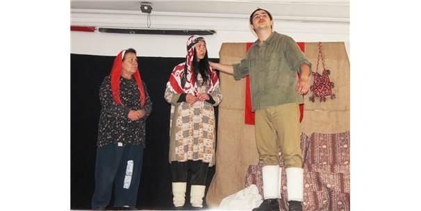 Sarıgöl'de Öğrenciler 'Koca Seyit' Oyununu İlgiyle İzledi