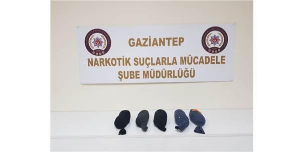 Çorap İçindeki Uyuşturucu Sevkiyatına Polis Darbesi