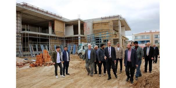Başkan Altay, Buhara Mahalle Konağı İnşaatında İncelemelerde Bulundu